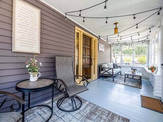 Outlaw Homestead - in Deadwood! Mickelson Trail, Trolley stop, Garage and great
