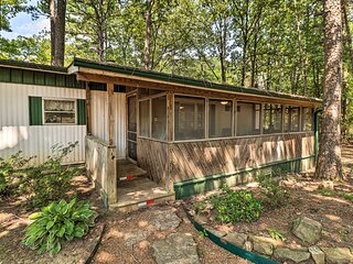 NEW! Higden Hideaway on Lake: Pets & ATVs Allowed!