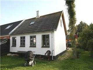 Cozy little cottage at levka beach, holiday rental in Hasle