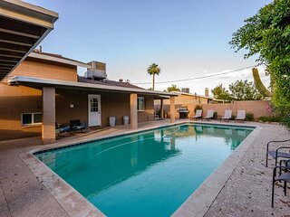 *New* Spacious & Updated 5 bedroom home + Pool