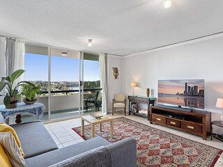 MadeComfy | Comfortable Brisbane Apartment with City View