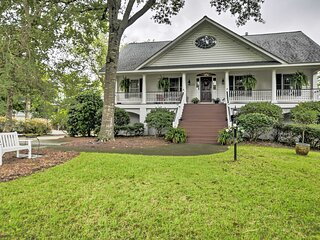 NEW! Cottage Garden Home w/ Screened Patio & Yard!