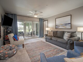 'Game-Time Getaway' Family Condo beside Thousand Hills golf course