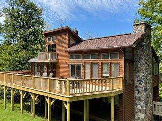 Ski Inn - 388 Brookside Road  Ski Inn - Great Access to Local Hiking Trails, Hot