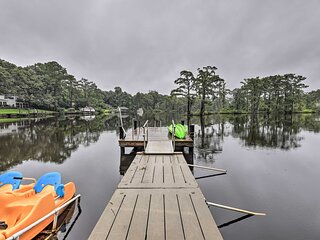 NEW! Cottage with Patio & Shared Waterfront Perks!