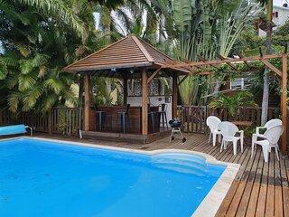 Villa avec piscine dans un ecrin de verdure