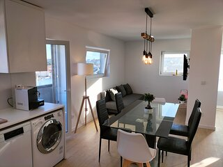 Apartamento independente com 2 quartos