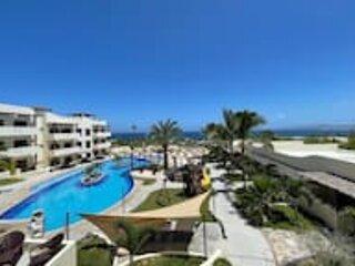 Satellite internet + oceanview + private terrace + pool, holiday rental in El Sargento