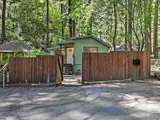 Quiet Cottage w/ Redwood Forest Views & Deck!