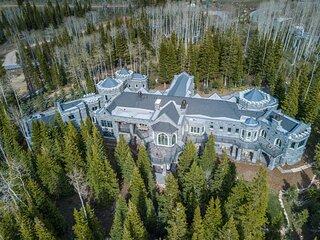 Park City Castle Mansion (Colony ski-in, ski out)