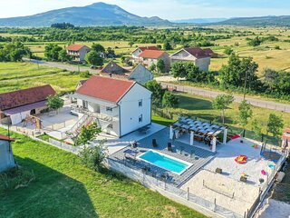 Awesome home in Drnis with Outdoor swimming pool, WiFi and 6 Bedrooms (CDC539)