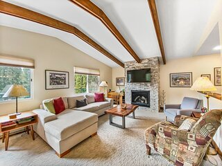 FREE SkyCard Activities - Close To Town/Skiing, Private Hot Tub - Breckenridge
