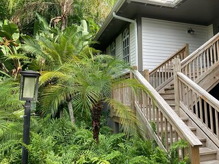 Tropical & tranquil - Sanibel Island vacation home awaits your arrival.