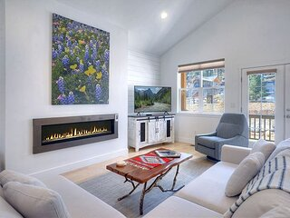 Mountain Contemporary Home - 12 Min. to Durango - Views/Central AC