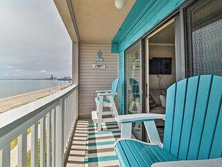Updated Front Beach Condo w/ Resort Amenities
