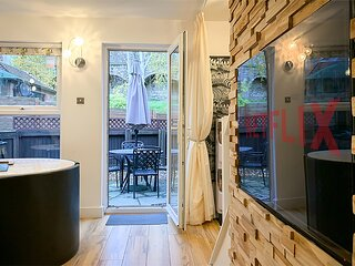 House in Central York - Private Parking & Garden