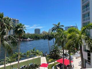 Luxury Ocean View Condo Sleeps 6 in Ft Lauderdale Beach!!