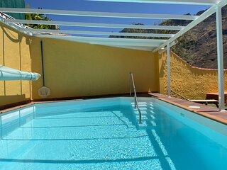 Los Veroles, con piscina de uso exclusivo y climatizada.  Hermosas vistas y wifi