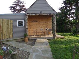 Charming 1-Bed Garden Lodge in Boyndie, Banff