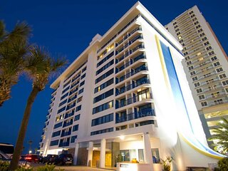 Great for Families! Spacious Units w/Kitchens,Pool