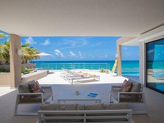 ALMA... Fabulous Modern Oceanfront Villa in Fun Oceanfront Location!