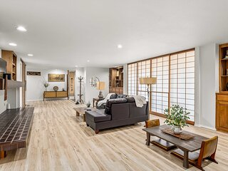 NEW! Eclectic Bella Vista House with Zen Garden!
