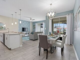 BSV8922 - Luxury 4 Bedroom 3.5 Bathroom Town Home with Private Pool
