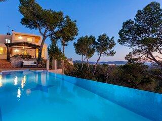 Villa in Ibiza Town with infinity pool, sleeps 10 - Villa Vistas