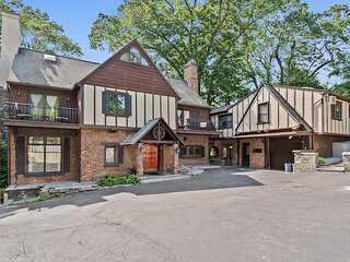 6BR Mansion w/ King Bed + Pool Near NYC