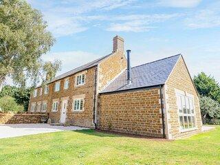 Manor Farm Barn 2, Hook Norton