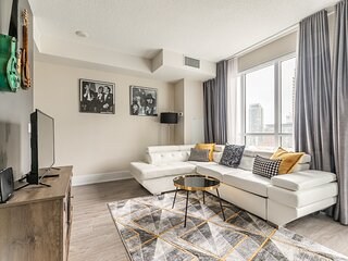 Simply Comfort. UV DISINFECTION 1BR Condo in DT with the Balcony