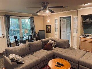 Charming apartment in upscale  North metro Atlanta home