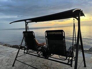 Paradise beachfront for couples, very romantic, private, 1 bedroom, sleeps 2