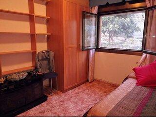 Cerca de Barcelona, Apartamento Mini en Chalet ,de 1 habitacion para 3,con bano