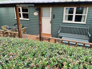 Gower Peninsula - Three Cliffs Bay - Timber Chalet / Cottage