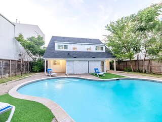 Luxury 2-bedroom with a pool near the Galleria