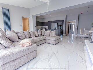 Beautiful Modern Open plan living home