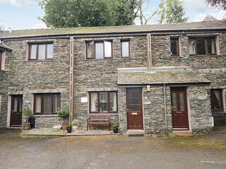 HEATHER COTTAGE, stone fronted, pets welcome,WiFi, private parking, in