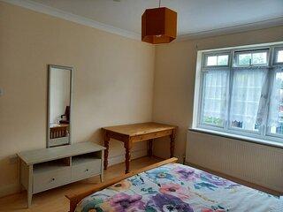Large Double Room in Harrow LONDON UK