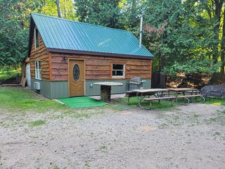 Betsie River Over 450' frontage Beautiful newly renovated Guest house.