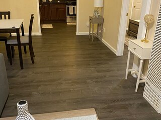 Spacious remodeled 2bd/1ba house with huge yard
