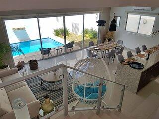 Gorgeous Villa w/ private pool near the beach