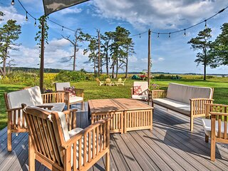 Charming Pine Point Cottage - 2 Blocks to Ocean!