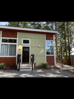 Upscale Modern Cottage