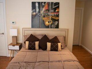Near Manhattan NYC - 3 Bedroom Apartment 1200 sqft