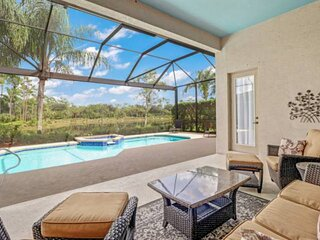 Beautiful Heated Pool & Spa Home! Gated Golf & Country Club Community! Perfect f