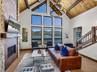 Brand New Lake Front Cabin located on Lake Estes! Indoor/Outdoor Fireplace