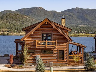 Lake Ridge Escape - Surrounded Lake and Mountains! Indoor/Outdoor Fireplace