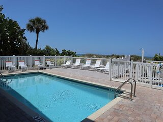 XL Family Sized Indian Rocks Beach Condo - Steps to the Sand and Local Eats!!