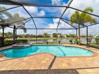 Paradise Palms Villa- 3/3 Pool Home in Estero